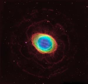 Novi pogled na Ring Nebulu - foto: NASA