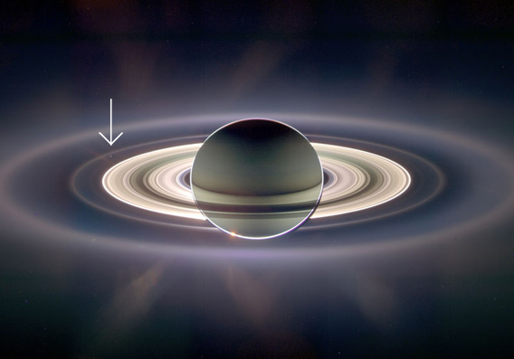 Saturn i Zemlja iz 2006. godine - foto: NASA