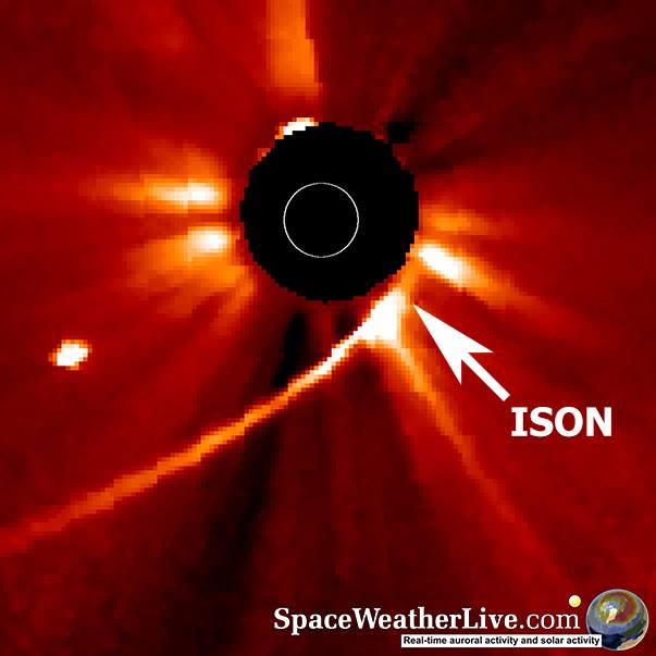 Ison malo pre perihela - foto: NASA